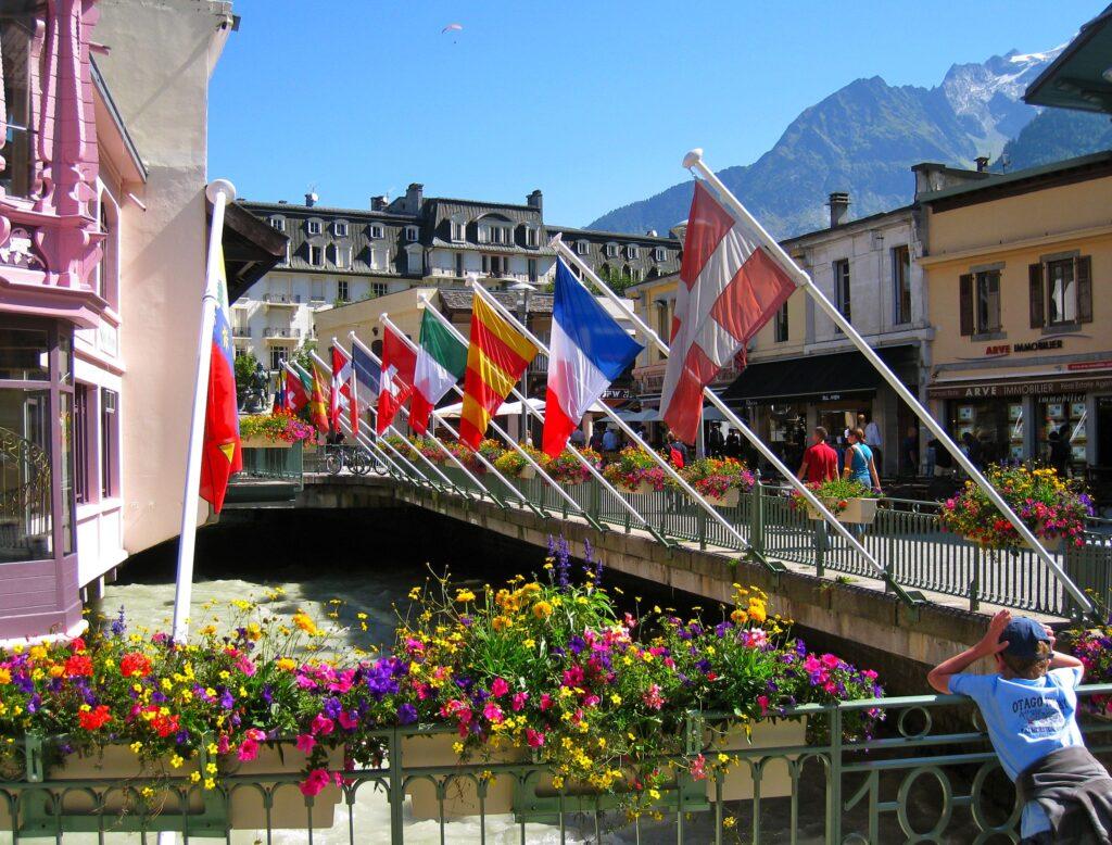 Chamonix flags
