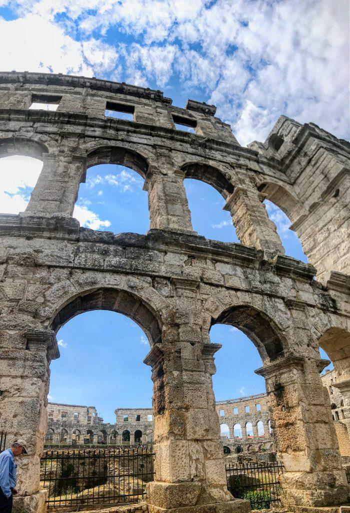 Roman--Arena