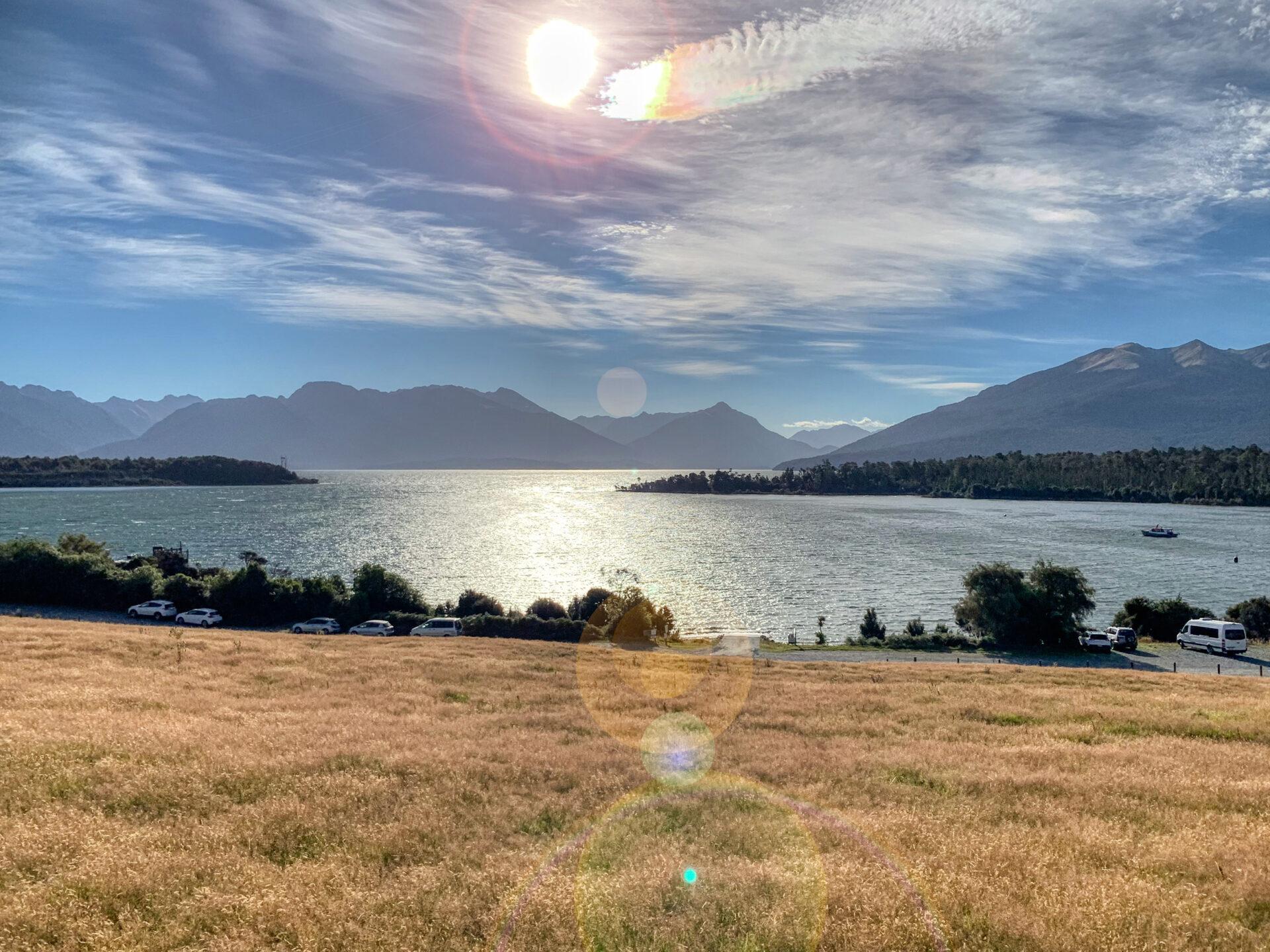 Beautiful-Lake-Te-Anau
