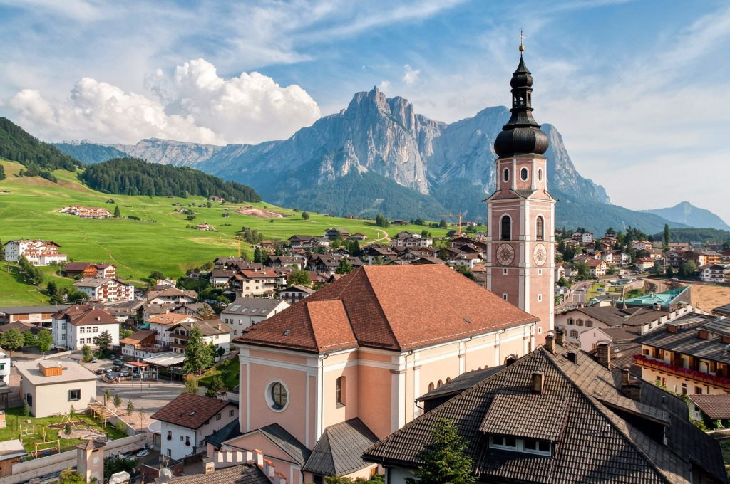 Church-bell-tower-Kastelruth-Castelrotto-Su¦êdtirol-South-Tyrol-Alto-Adige-Dolomites-Italy-Europe