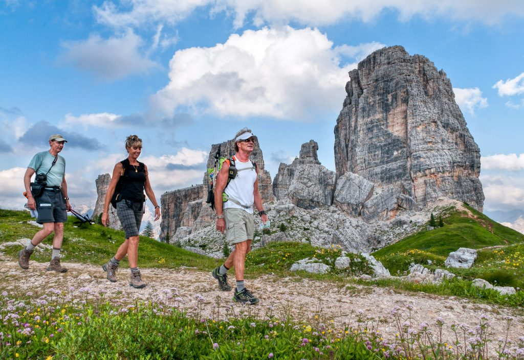 Cinque-Torri-trails,-World-War-I-history,-near-Cortina-d_Ampezzo,-Dolomites,-Italy,-Europe-(4)